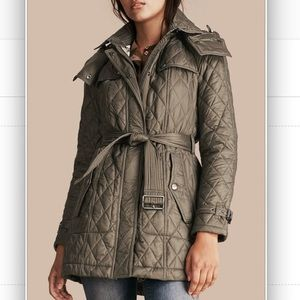 BURBERRY BRIT FINSBRIDGE HOODED QUILTED JACKET